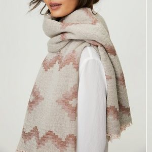 ARITZIA WILFRED DIAMOND MOSAIC BLANKET SCARF